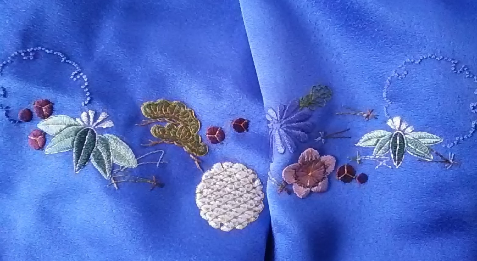袖2枚刺繍