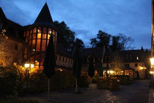 古城ホテル夜1