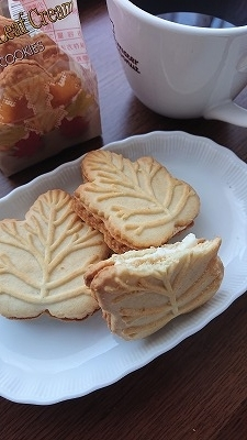 テイストデライト メイプルリーフ クリームクッキー3P