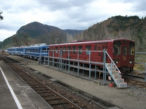 oth-train-465.jpg