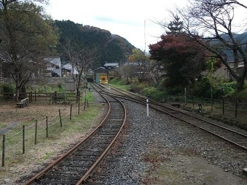 oth-train-475.jpg