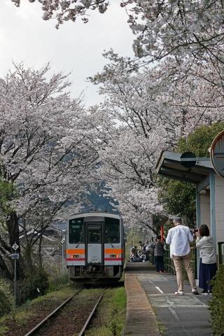 200404三浦駅6