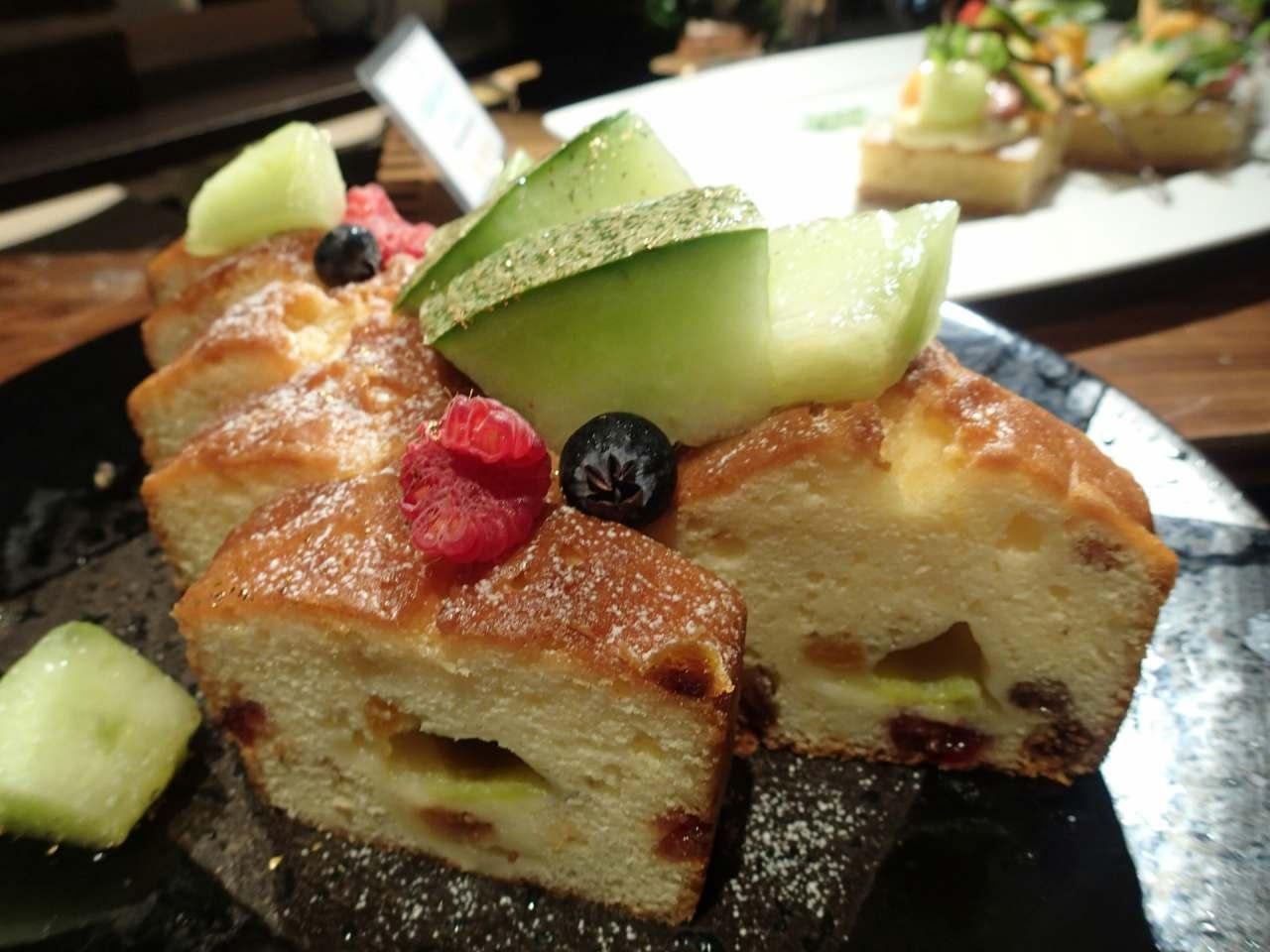パウンドケーキとタカミメロン