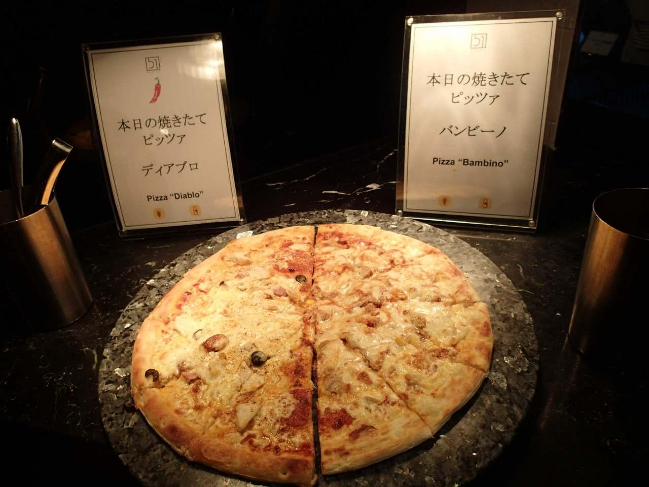 本日の焼きたてピッツアディアブロ・バンビーノ