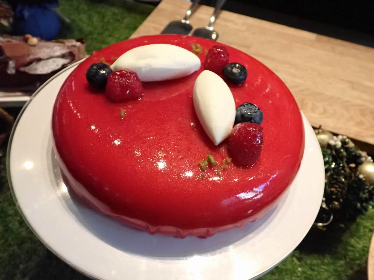 レッドミラーケーキ