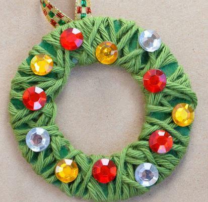 毛糸を使ったクリスマスリースchristmas wreath3