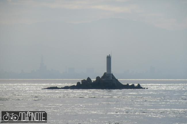 竜神島灯台