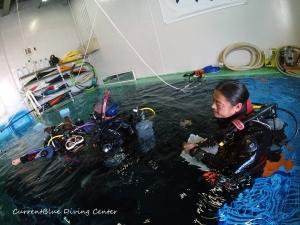 ダイビングインストラクターを目指す,PADIインストラクター試験,自社プールでダイビング練習 (2)