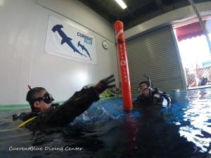 ダイビングインストラクターを目指す,PADIインストラクター試験,自社プールでダイビング練習 (5)