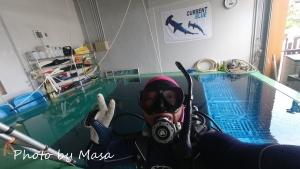 プールダイビング (3)