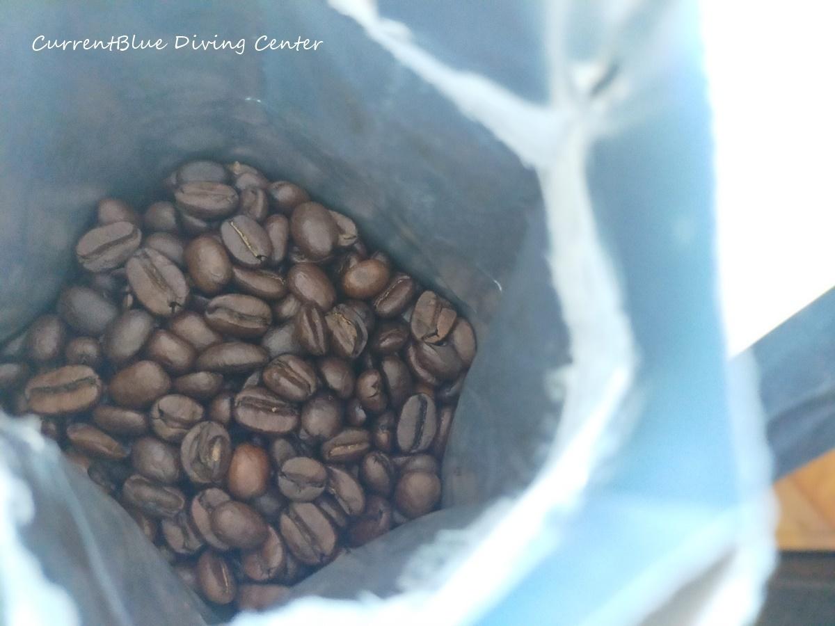 コーヒーとキャンピングトレーラー