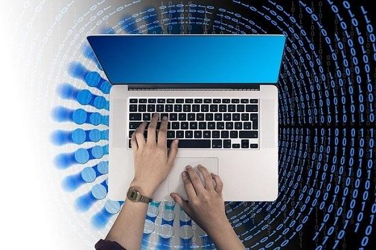 laptop-3428644_640.jpg