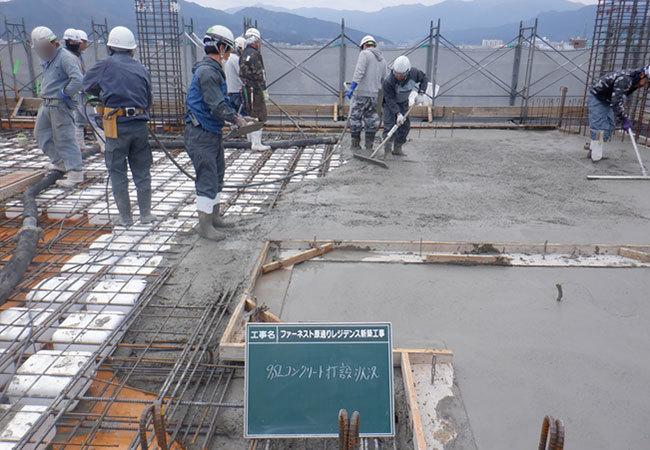 8階立上り9階床コンクリート打設状況