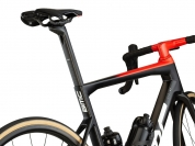 Teammachine_SLR_01_ONE_cbn_wht_red_D-Shape_Seatpost_3.jpg