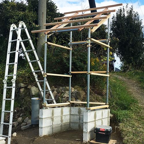 【DIY】畑に物置とトイレを作る! ~骨組み・屋根~③