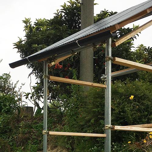 【DIY】畑に物置とトイレを作る! ~骨組み・屋根~⑪