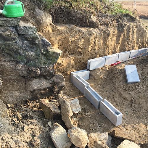 【DIY】畑に物置とトイレを作る! ~石垣をブロック塀に変える~③