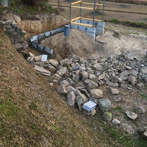 【DIY】畑に物置とトイレを作る! ~石垣をブロック塀に変える~④