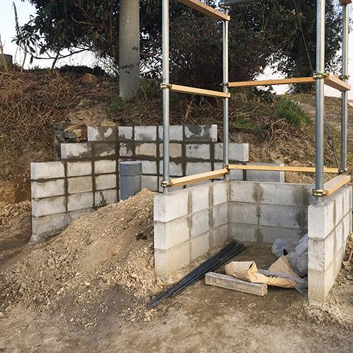 【DIY】畑に物置とトイレを作る! ~石垣をブロック塀に変える~⑤