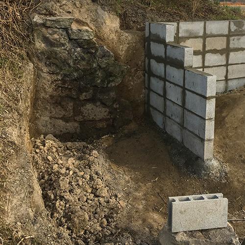 【DIY】畑に物置とトイレを作る! ~石垣をブロック塀に変える~⑥