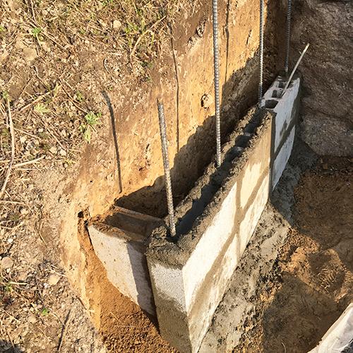 【DIY】畑に物置とトイレを作る! ~石垣をブロック塀に変える~⑦