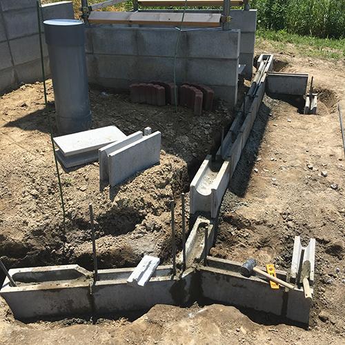 【DIY】畑に物置とトイレを作る! ~土留めを兼ねた階段を作る~③