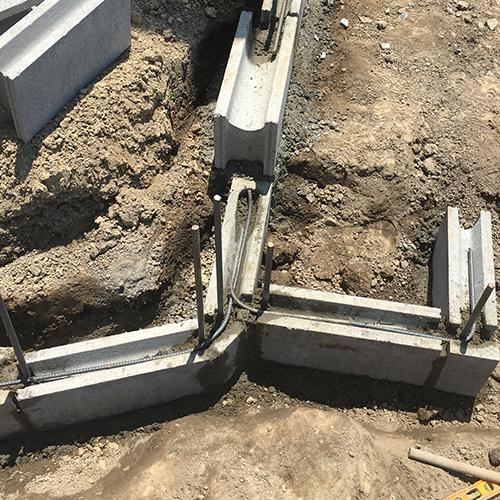 【DIY】畑に物置とトイレを作る! ~土留めを兼ねた階段を作る~④