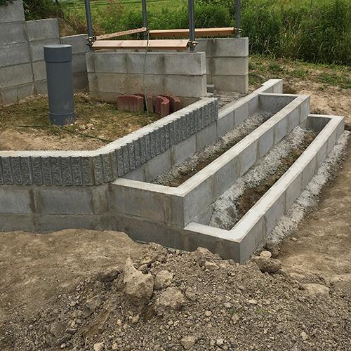 【DIY】畑に物置とトイレを作る! ~土留めを兼ねた階段を作る~⑥
