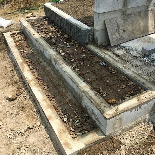 【DIY】畑に物置とトイレを作る! ~土留めを兼ねた階段を作る~⑦