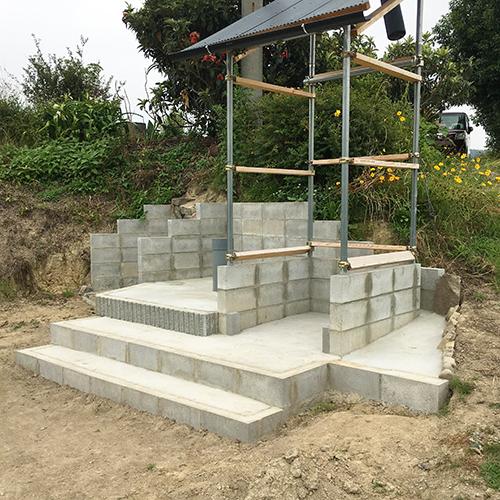 【DIY】畑に物置とトイレを作る! ~土留めを兼ねた階段を作る~⑩