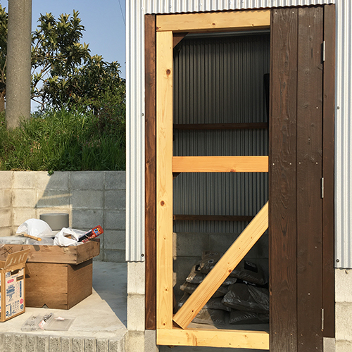 【DIY】畑に物置とトイレを作る!⑥ ~簡単な扉を作る~③