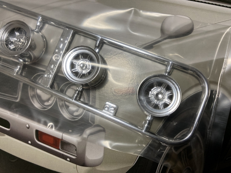 アオシマ モデルカー ローレル リニューアル 前期グリル