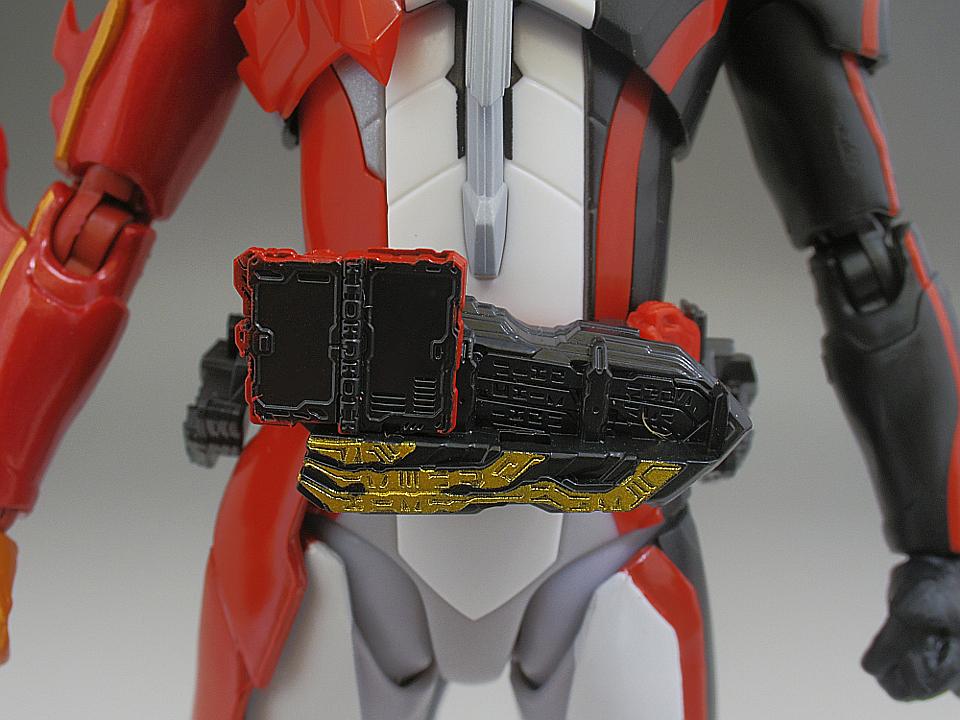 SHF セイバー ブレイブドラゴン18