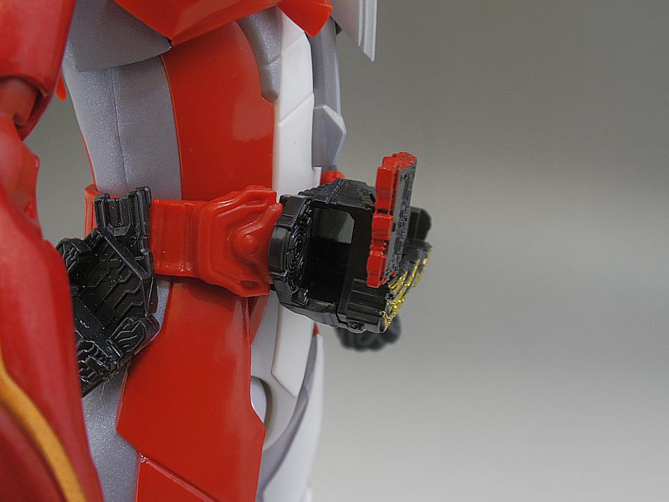 SHF セイバー ブレイブドラゴン22