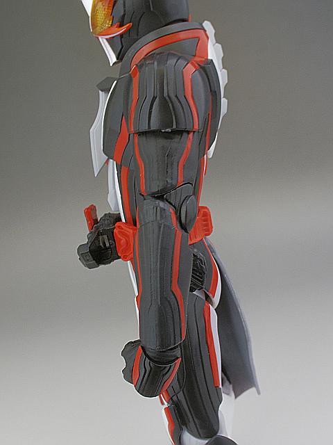 SHF セイバー ブレイブドラゴン46