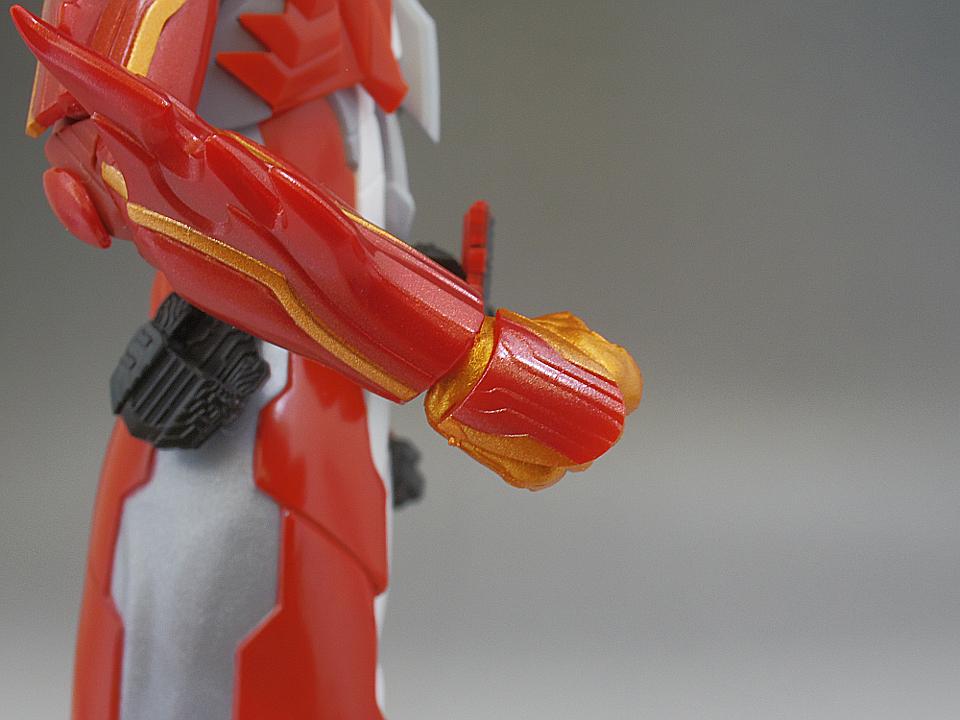 SHF セイバー ブレイブドラゴン42