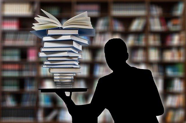 books-3205452_640.jpg