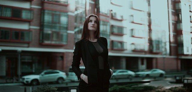 business-lady-1584654_640.jpg