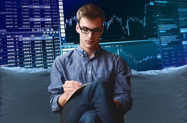 entrepreneur-2411763_640.jpg