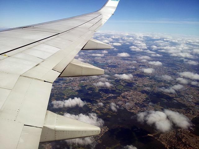 flight-1811277_640.jpg