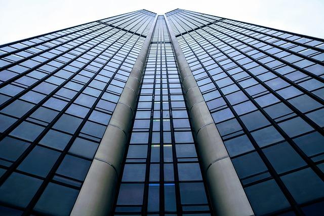 glass-3191508_640.jpg