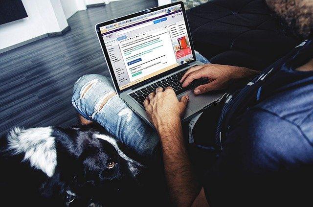 laptop-958239_640.jpg