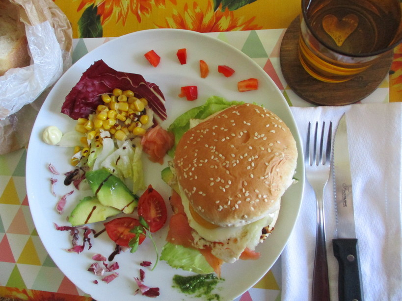 burger_con_salmone_uovo_avocado200520