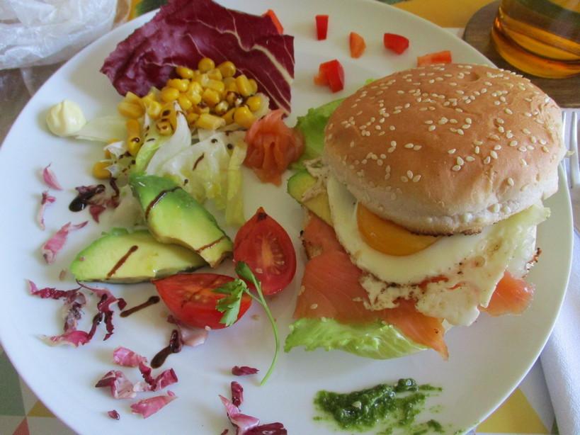 burger_con_salmone_uovo_avocado3_200520