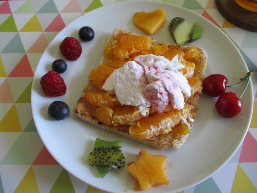 open_toast_con_doppie_arance_e_gelato_yogurt_ai_frutti_di_bosco2_200520
