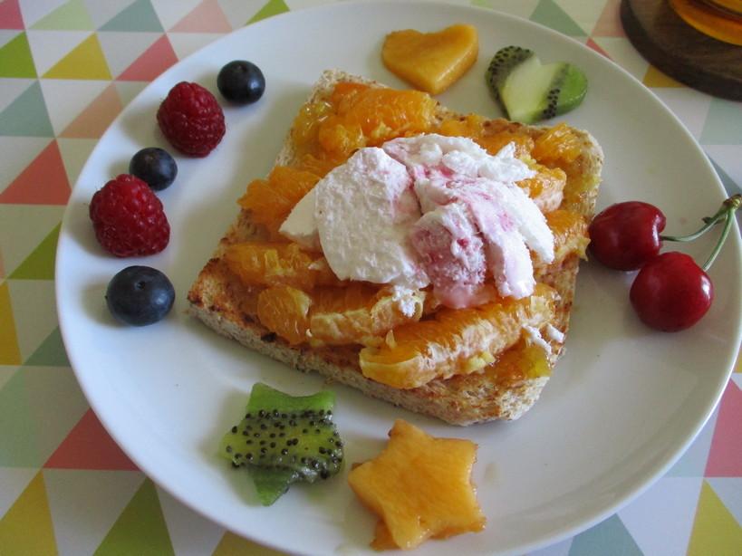 open_toast_con_doppie_arance_e_gelato_yogurt_ai_frutti_di_bosco3_200520