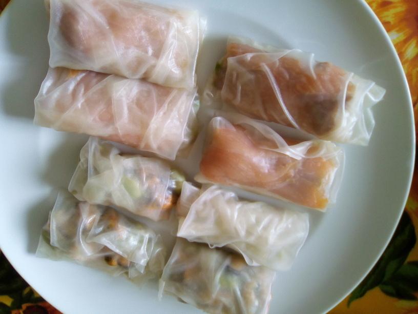 harumaki_con_salmone_asparagi_e_frutti_di_mare_fave200506