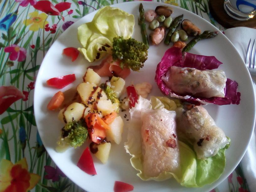 harumaki_con_salmone_asparagi_e_frutti_di_mare_fave3_200506