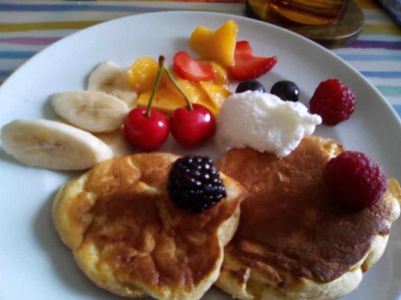 pancake_al_kinako_con_gelato_al_latte_e_frutta3_200516