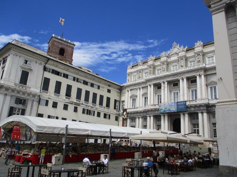 Palazzo_Ducale_in_piazza_Matteotti2_200804